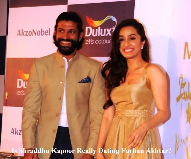 Is Shraddha Kapoor Really Dating Farhan Akhtar