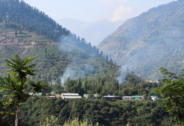 Dealist attack on Indian Army Camp In Uri near to Pakistan Border