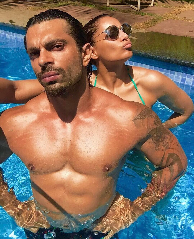 Surprise! Bipasha Makes Hubby 'Monkey Prince' On His Birthday In Goa