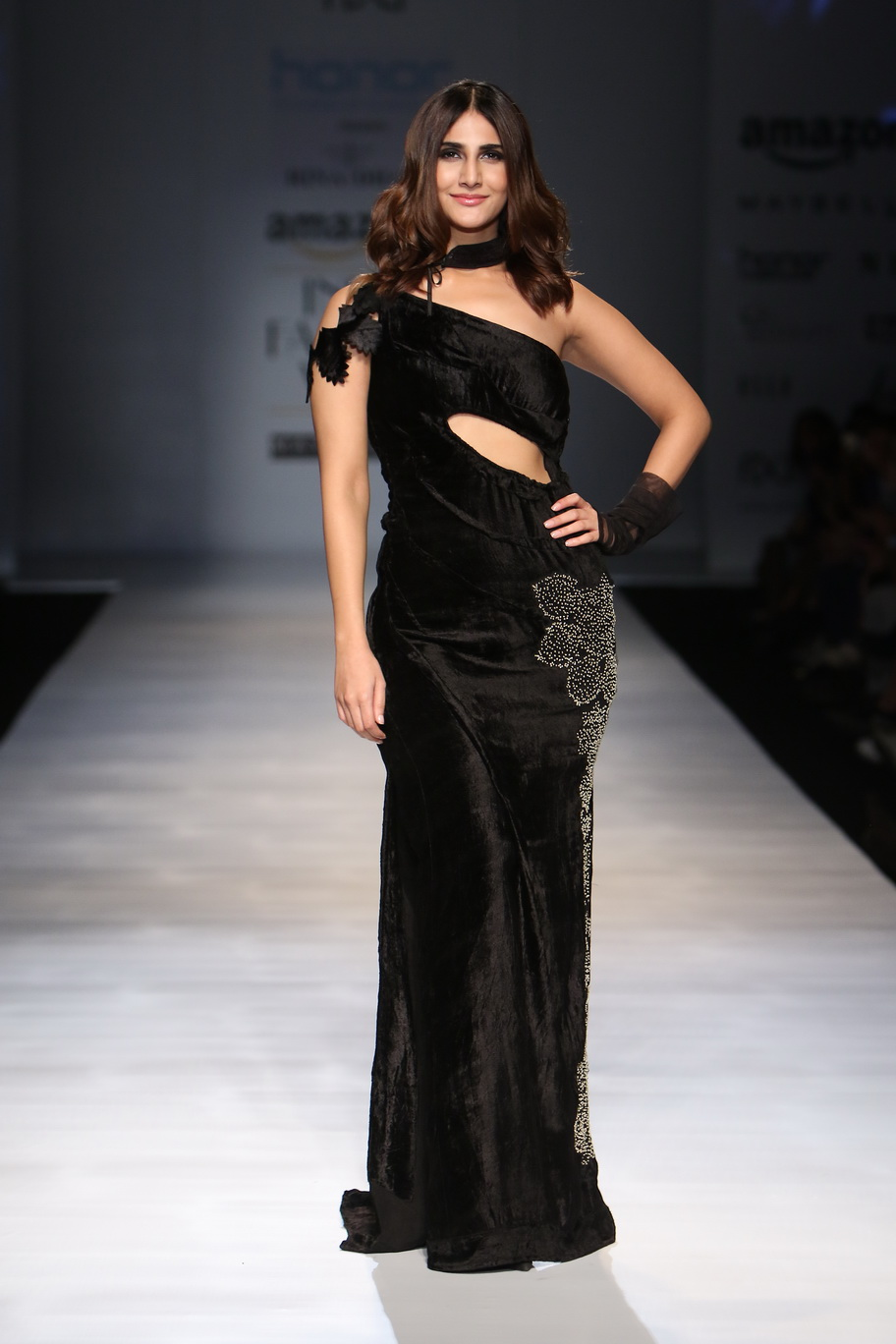 #1 Vaani Kapoor Turns Showstopper