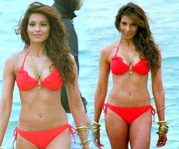 Bipasha Basu Bikini Look
