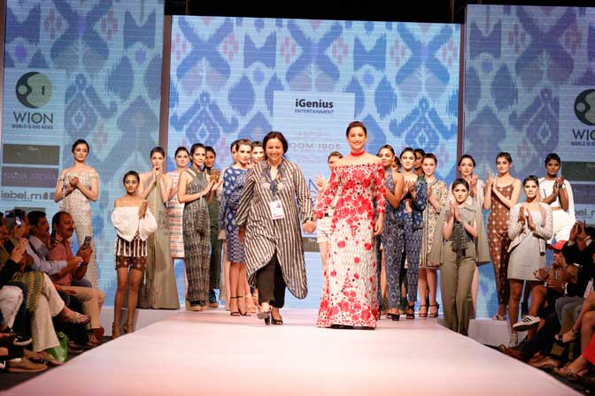 Gauhar Khan Walked the Ramp For Rinku Sobti At Asian Designer Week