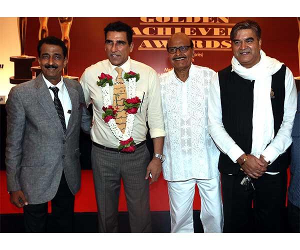 Abhishek Bachchan,Mukesh Rishi,Avtar Gill & Surendra Pal
