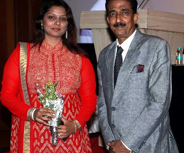 Sonal Sonkavde & Abhishek Bachchan